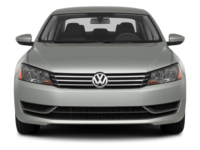2015 Volkswagen Passat Prices and Values Sedan 4D SE TDI I4 front view