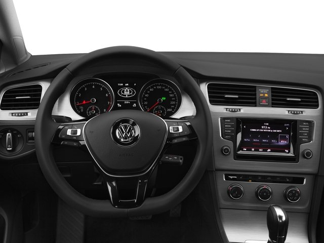 2015 Volkswagen Golf Prices and Values Hatchback 4D TDI SE I4 Turbo driver's dashboard