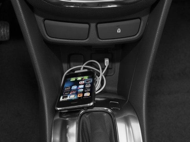 2016 Buick Encore Pictures Encore Utility 4D Sport Touring 2WD I4 photos iPhone Interface