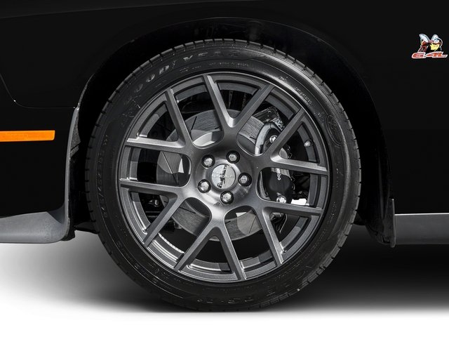 2016 Dodge Challenger Pictures Challenger Coupe 2D R/T Scat Pack V8 photos wheel