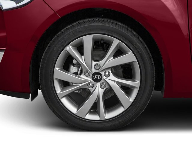 2016 Hyundai Veloster Prices and Values Coupe 3D I4 wheel