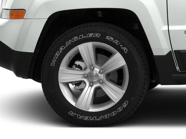 2016 Jeep Patriot Pictures Patriot Utility 4D High Altitude 2WD I4 photos wheel