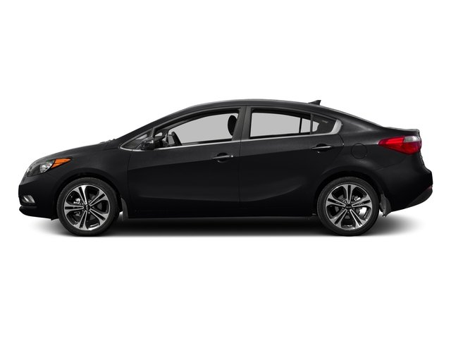 2016 Kia Forte Pictures Forte Sedan 4D LX I4 photos side view