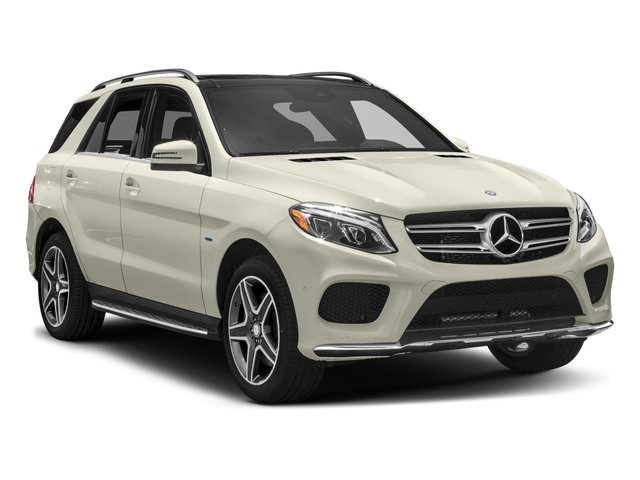 2016 Mercedes-Benz GLE Pictures GLE Utility 4D GLE550 Plug-In AWD V6 photos side front view