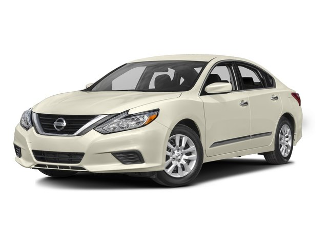 2016 Nissan Altima Pictures Altima Sedan 4D SV I4 photos side front view
