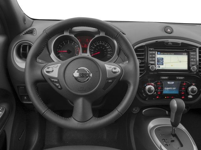 2016 Nissan JUKE Prices and Values Utlity 4D SL 2WD I4 Turbo driver's dashboard