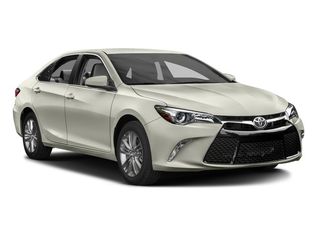 2016 Toyota Camry Pictures Camry Sedan 4D Special Edition I4 photos side front view