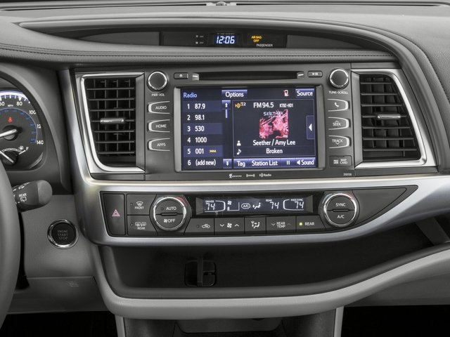 2016 Toyota Highlander Prices and Values Utility 4D XLE 4WD V6 stereo system