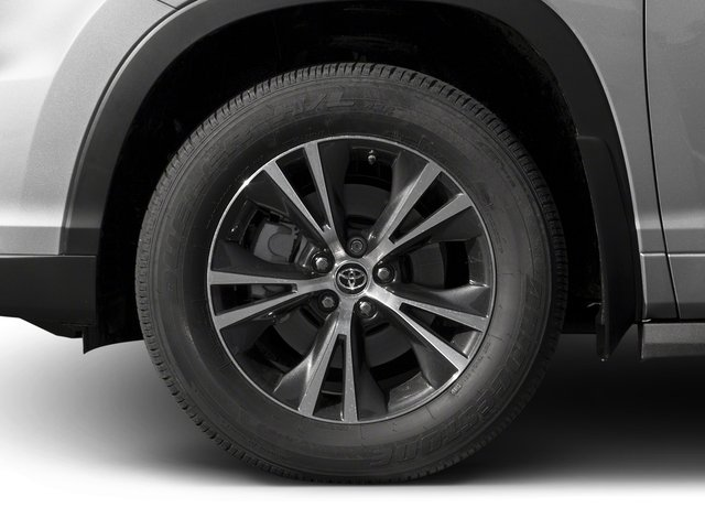 2016 Toyota Highlander Prices and Values Utility 4D XLE 4WD V6 wheel