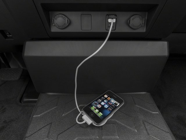 2016 Toyota Tundra 4WD Truck Pictures Tundra 4WD Truck SR 4WD photos iPhone Interface