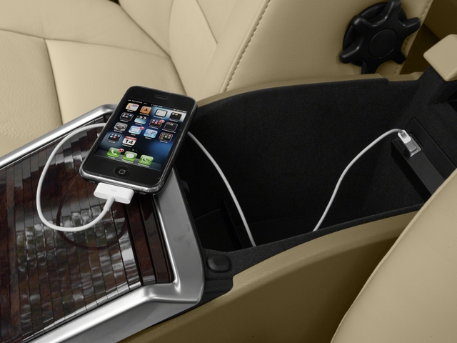 2016 Volvo S80 Prices and Values Sedan 4D T5 Platinum Drive-E Turbo iPhone Interface