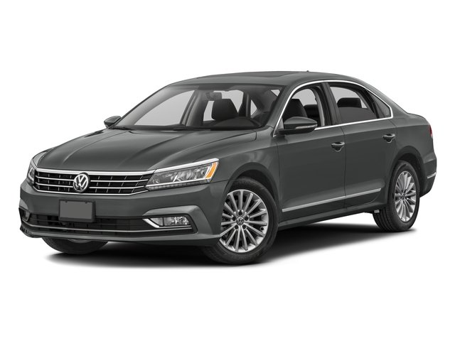 2016 Volkswagen Passat Pictures Passat Sedan 4D SE Technology I4 Turbo photos side front view