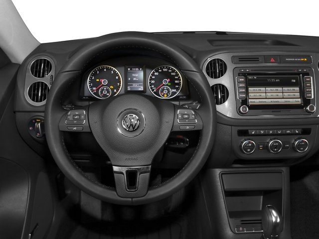 2016 Volkswagen Tiguan Pictures Tiguan Utility 4D SE 2WD I4 Turbo photos driver's dashboard