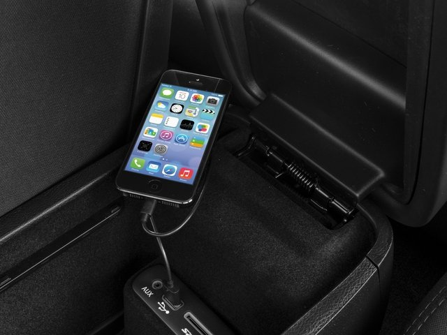 2017 Dodge Charger Pictures Charger Sedan 4D SE AWD V6 photos iPhone Interface
