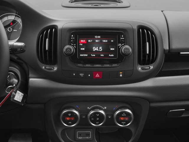 2017 FIAT 500L Pictures 500L Pop Hatch photos stereo system