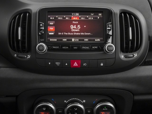 2017 FIAT 500L Pictures 500L Trekking Hatch photos stereo system