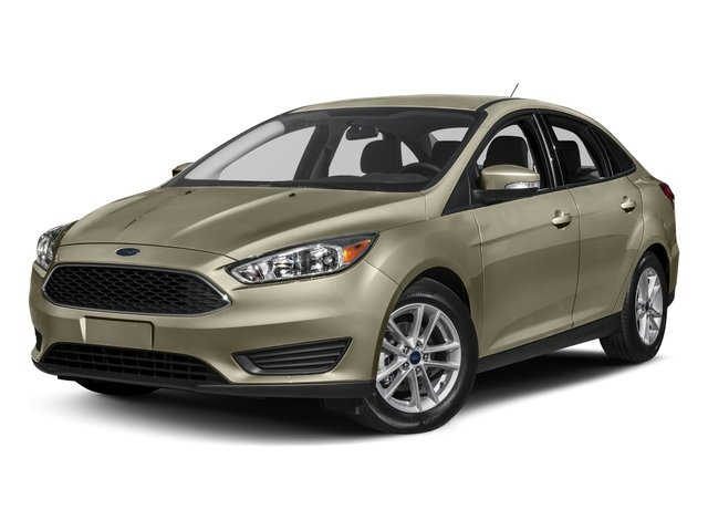 2017 Ford Focus Pictures Sedan 4d Se Ecoboost I3 Turbo Photos Side Front View