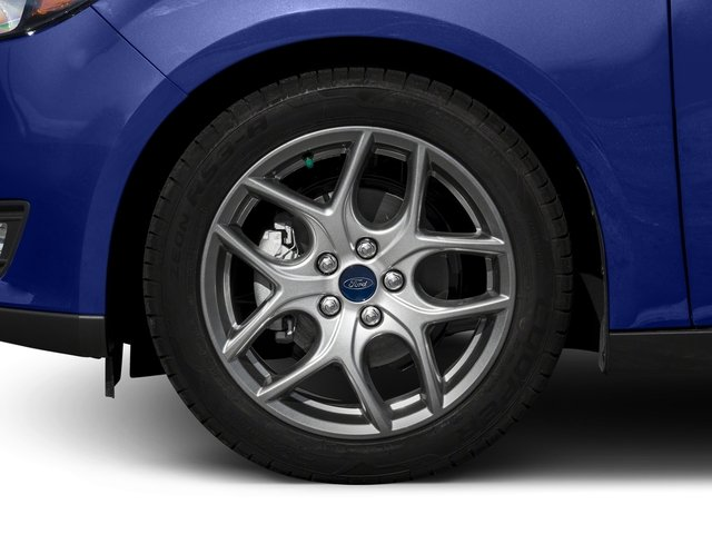 2017 Ford Focus Prices and Values Hatchback 5D SEL wheel