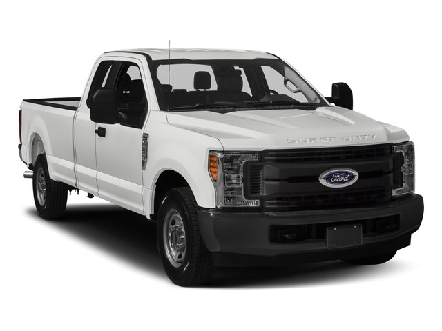 2017 Ford Super Duty F-250 SRW Pictures Super Duty F-250 SRW Supercab XL 4WD photos side front view