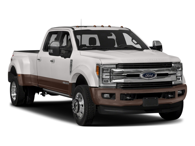 2017 Ford Super Duty F-450 DRW Pictures Super Duty F-450 DRW Crew Cab King Ranch 4WD T-Diesel photos side front view