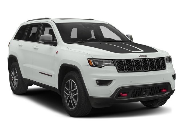 2017 Jeep Grand Cherokee Pictures Grand Cherokee Utility 4D Trailhawk 4WD photos side front view