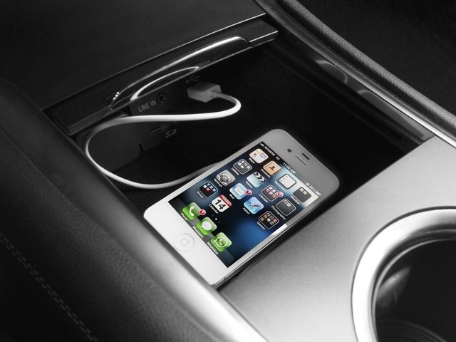 2017 Lincoln MKC Prices and Values Utility 4D Black Label 2WD I4 Turbo iPhone Interface