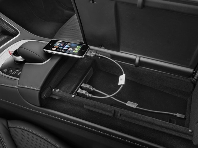 2017 Mercedes-Benz S-Class Prices and Values Sedan 4D S550 V8 Turbo iPhone Interface