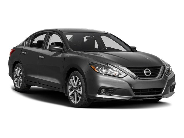 2017 Nissan Altima Pictures Altima Sedan 4D SR I4 photos side front view