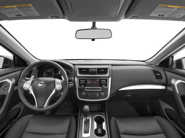 2017 Nissan Altima Pictures Altima Sedan 4D SR I4 photos full dashboard