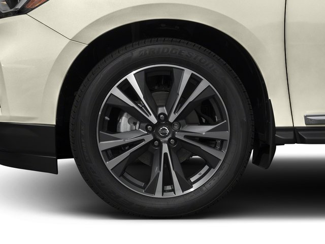 2017 Nissan Pathfinder Prices and Values Utility 4D Platinum 2WD V6 wheel