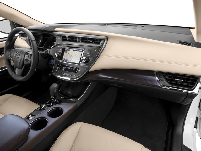 2017 Toyota Avalon Pictures Hybrid Xle Plus Photos Penger S Dashboard