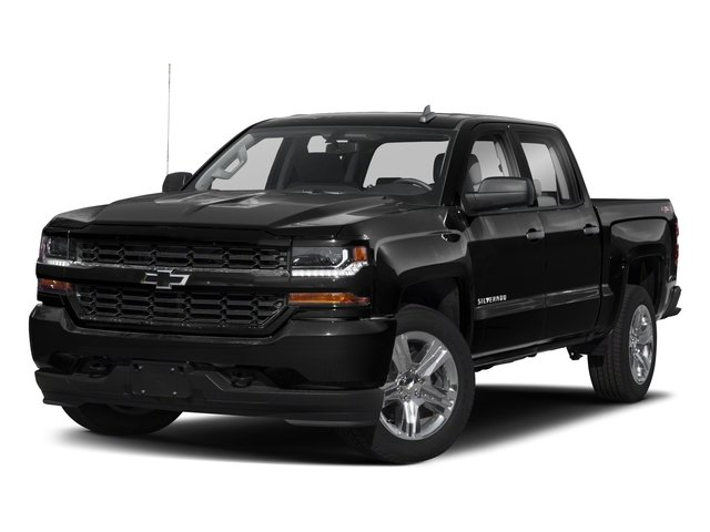2018 Chevrolet Silverado 1500 Pictures Silverado 1500 4WD Crew Cab 143.5 Custom photos side front view