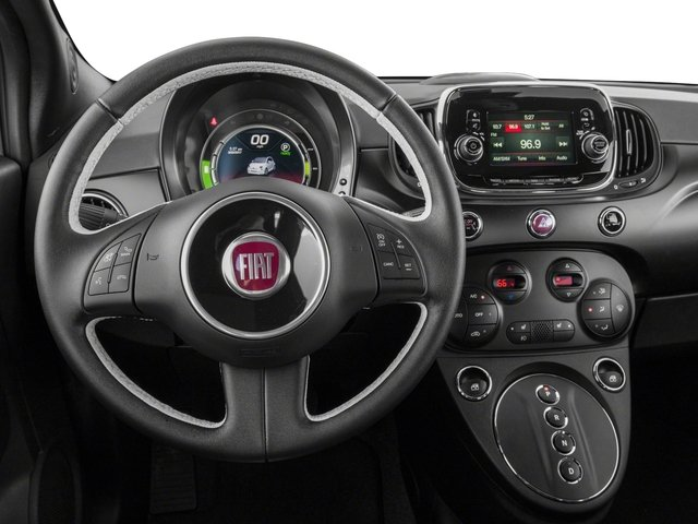 2018 FIAT 500e Pictures 500e Hatch photos driver's dashboard