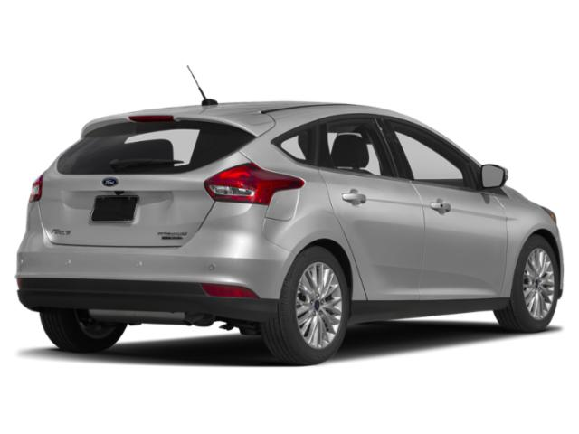2018 Ford Focus Pictures Focus Hatchback 5D SEL photos side rear view