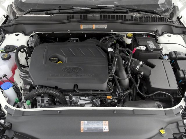 2018 Ford Fusion Pictures Fusion SE FWD photos engine
