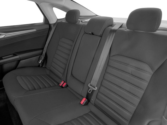 2018 Ford Fusion Pictures Fusion SE FWD photos backseat interior