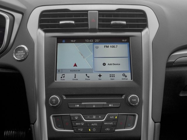 2018 Ford Fusion Pictures Fusion SE FWD photos navigation system