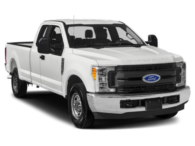 2018 Ford Super Duty F-350 DRW Pictures Super Duty F-350 DRW XL 4WD Reg Cab 8' Box photos side front view