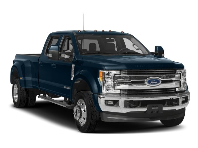 2018 Ford Super Duty F-450 DRW Pictures Super Duty F-450 DRW Crew Cab XLT 4WD T-Diesel photos side front view