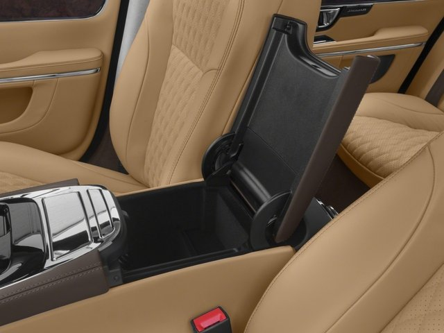 2018 Jaguar XJ Base Price XJL Portfolio RWD Pricing center storage console