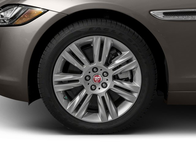 2018 Jaguar XF Pictures XF Sedan 30t Premium RWD photos wheel