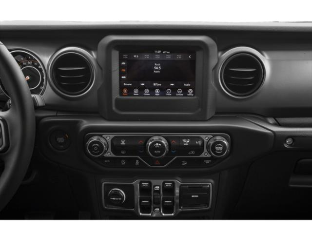 2018 Jeep Wrangler Unlimited Pictures Wrangler Unlimited Moab 4x4 photos stereo system