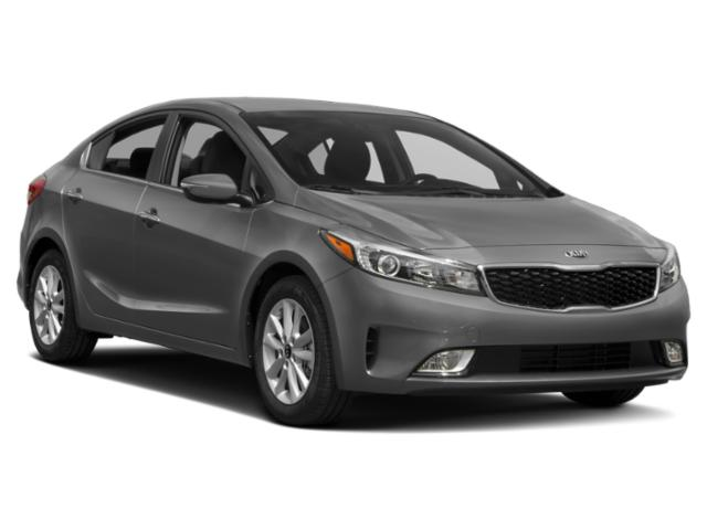 2018 Kia Forte5 Pictures Forte5 Hatchback 5D SX I4 photos side front view