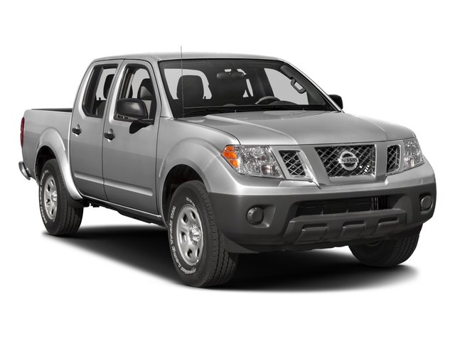 2018 Nissan Frontier Pictures Frontier Crew Cab S 2WD photos side front view