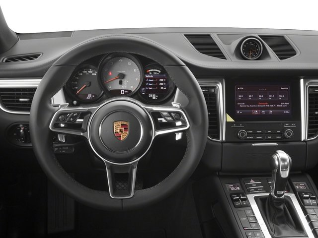 2018 Porsche Macan Pictures Macan GTS AWD photos driver's dashboard