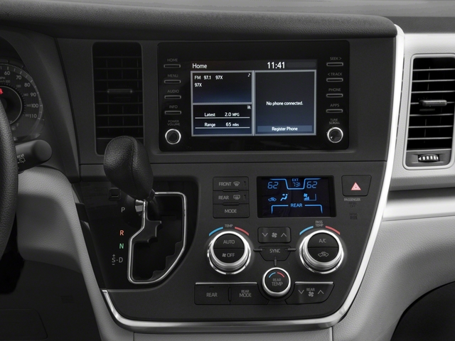 2018 Toyota Sienna Pictures Sienna L FWD 7-Passenger photos stereo system