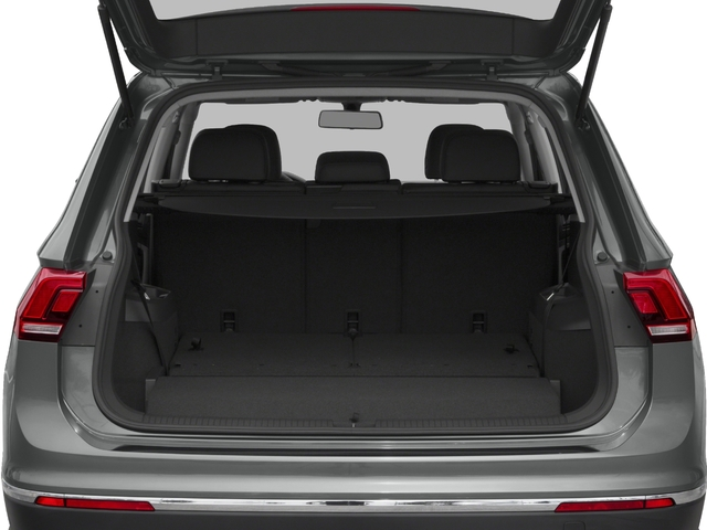 2018 Volkswagen Tiguan Pictures Tiguan 2.0T SEL 4MOTION photos open trunk