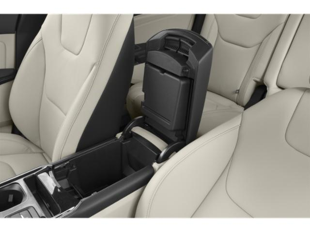 2019 Ford Edge Pictures Edge SE AWD photos center storage console