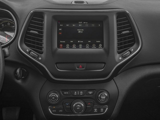2019 Jeep Cherokee Pictures Cherokee Latitude Plus FWD photos stereo system