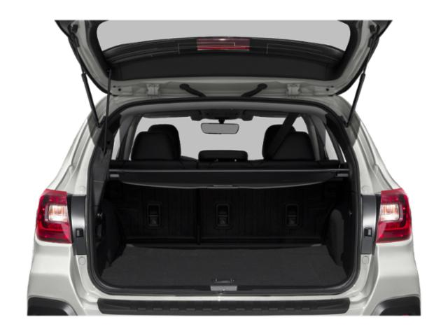 2019 Subaru Outback Pictures Outback 2.5i photos open trunk